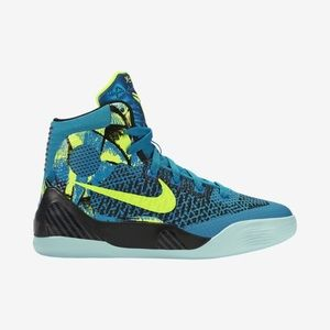 1738ad713292 Women s Nike Kobe 9 Elite on Poshmark